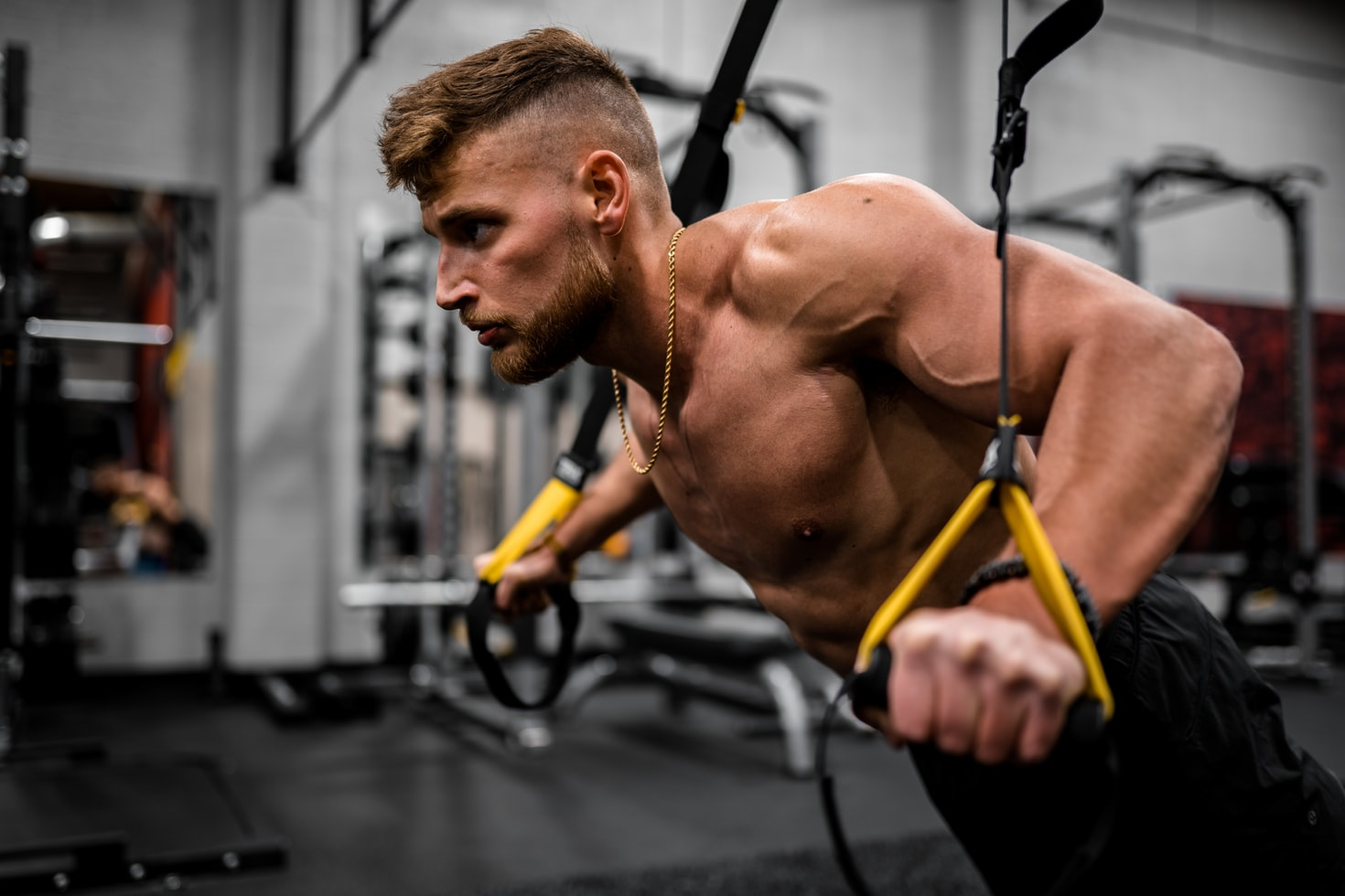 Repetitions in reserve (RIR) simply states how many more reps you could have done. You can use Everfit to create a online personal periodization training, applying RIR